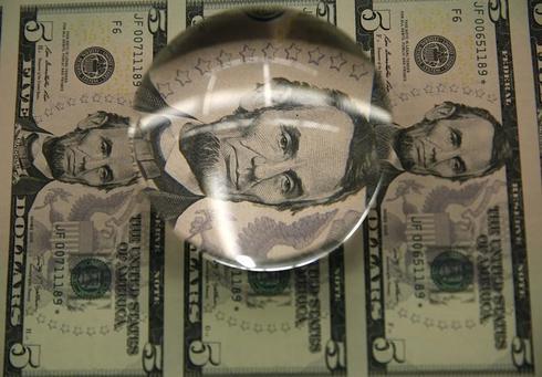 ドルは113円後半、日米首脳会談の無難通過で安心感