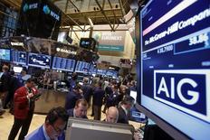 American International Group a publié mardi une perte plus importante que prévu au titre du quatrième trimestre 2016, le numéro un de l'assurance dommages aux Etats-Unis et au Canada ayant inscrit une charge de 5,6 milliards de dollars liée à un accord conclu avec Berkshire Hathaway. /Photo d'archives/REUTERS/Brendan McDermid