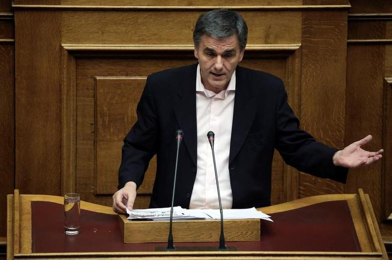 Greek Finance Minister Euclid Tsakalotos delivers a speech during a parliamentary session before a budget vote in Athens, Greece, December 10, 2016. Picture taken December 10, 2016. REUTERS/Alkis Konstantinidis