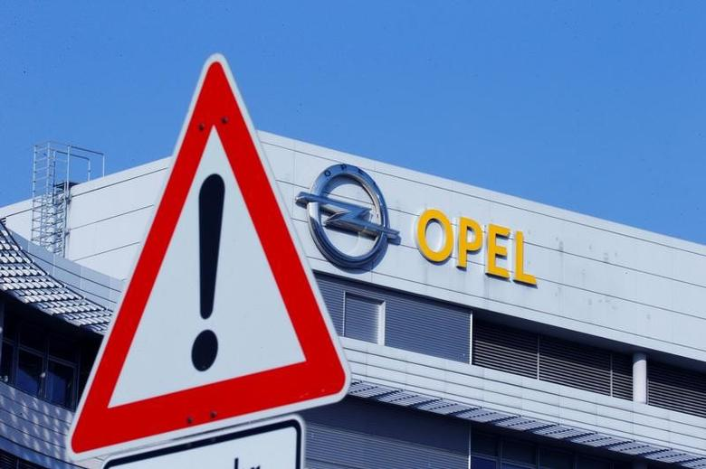 The logo of German car manufacturer Opel is pictured at the compnay headquarters in Ruesselsheim , Germany February 15, 2017.  REUTERS/Ralph Orlowski