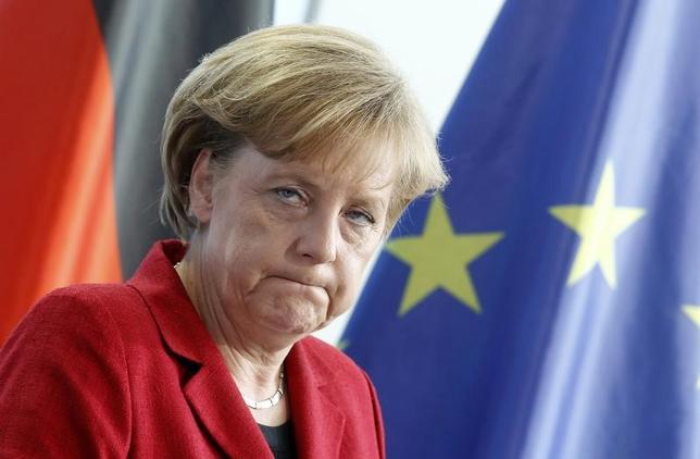 2月22日、公表されたドイツの世論調査によると、今年9月に連邦議会選挙を控え、中道左派の社会民主党(SPD)の支持率は横ばいの31%で、メルケル首相(写真)率いる保守のキリスト教民主・社会同盟(CDU・CSU、34%)との接戦が続いている。ベルリンで2010年4月撮影(2017年 ロイター/Tobias Schwarz)