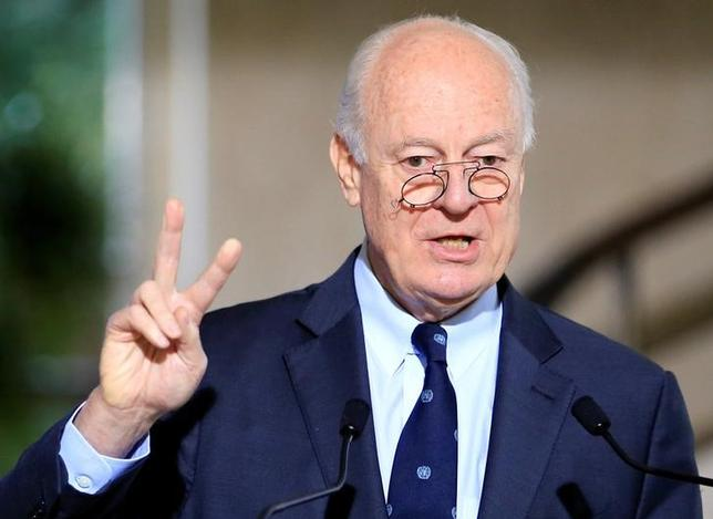 FILE PHOTO: U.N. mediator for Syria Staffan de Mistura attends a news conference after a meeting at the United Nations in Geneva, Switzerland, January 12, 2017. REUTERS/Pierre Albouy/File Photo
