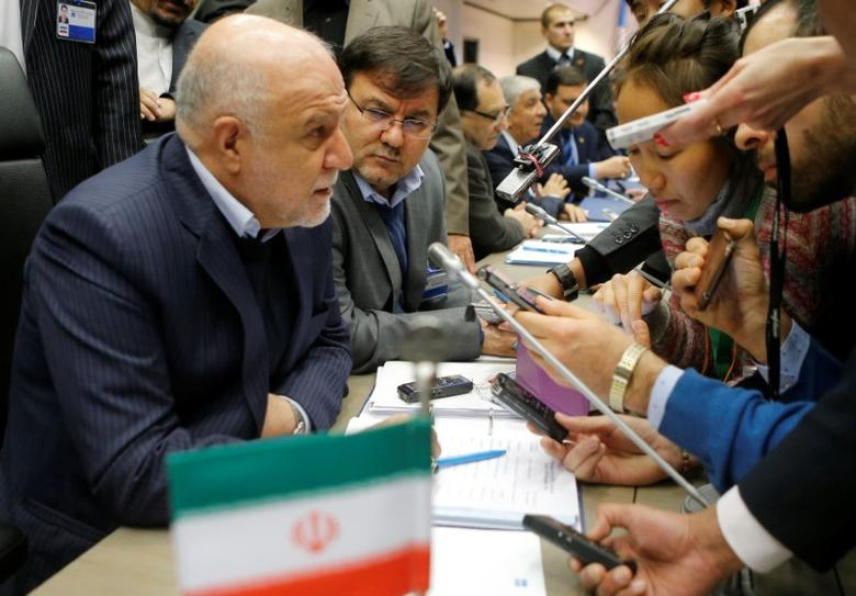 Iran's Oil Minister Bijan Zanganeh talks to journalists during a meeting of the Organization of the Petroleum Exporting Countries (OPEC) in Vienna, Austria, November 30, 2016. REUTERS/Heinz-Peter Bader