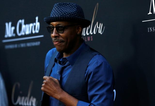 Arsenio Hall Drops Defamation Lawsuit Against Sinead O Connor Reuters