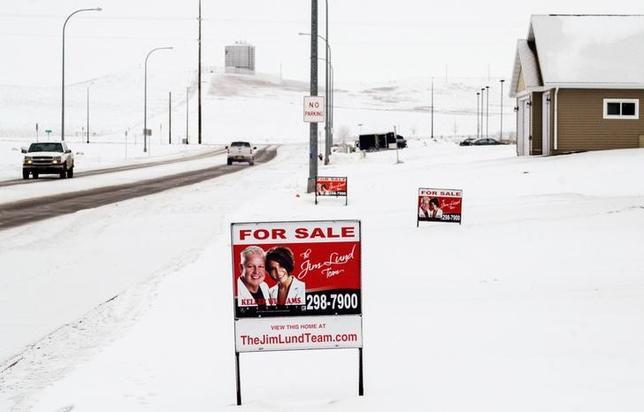 2月24日、1月の米新築住宅販売は3.7%増えたが、市場予想には届かなかった。写真はノースダコタ州の住宅開発地域で昨年1月撮影(2017年 ロイター/Andrew Cullen)