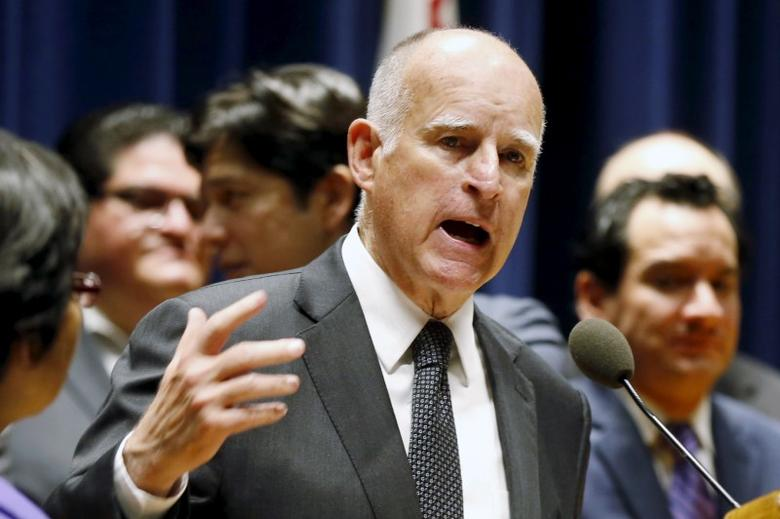 California Governor Jerry Brown speaks in Los Angeles, California, United States, April 4, 2016. REUTERS/Lucy Nicholson/File Photo