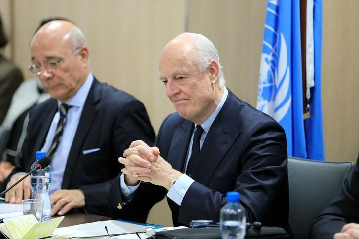 UN Special Envoy for Syria Staffan de Mistura (R) attends a meeting of Intra-Syria peace talks with Syrian government delegation at Palais des Nations in Geneva, Switzerland, February 25, 2017. REUTERS/Pierre Albouy