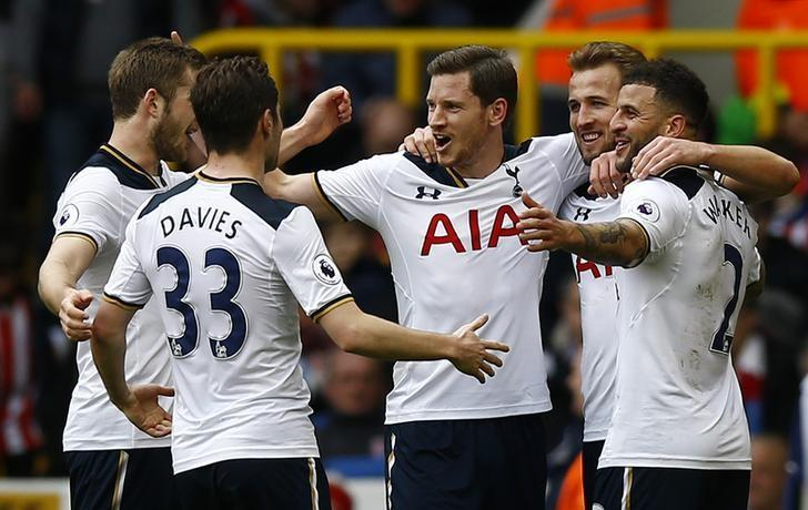 Britain Soccer Football - Tottenham Hotspur v Stoke City - Premier League - White Hart Lane - 26/2/17 Tottenham's Harry Kane celebrates scoring their third goal and completing his hat trick with team mates Action Images via Reuters / Peter Cziborra/ Livepic/ Files