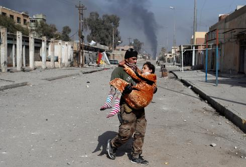 Battle in the streets of Mosul