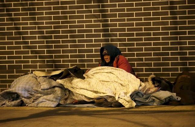 3月1日、新華社は、公式統計を引用し、2016年には1240万人が貧困状態から脱したと報じた。2300億元(335億ドル)超の予算を投じた支援政策が奏功したという。写真は北京で昨年1月撮影(2017年 ロイター/Jason Lee)