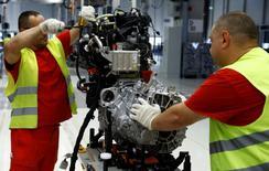 La croissance de l'activité manufacturière a été en février la plus soutenue depuis près de six ans, tandis qu'un euro affaibli a stimulé la demande extérieure. /Photo prise le 9 septembre 2016/REUTERS/Kacper Pempel