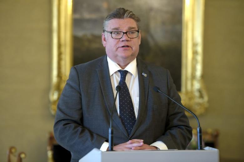Finnish Foreign Minister Timo Soini attends a briefing Helsinki, Finland September 30, 2016.  Lehtikuva/Antti Aimo-Koivisto/via REUTERS