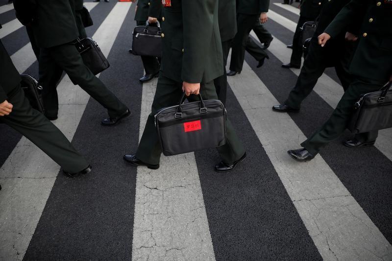 China confirms 7 percent increase in 2017 defense budget