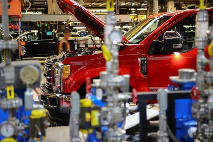 2016年9月30日,美国肯塔基州路易斯维尔,福特卡车工厂下线的福特F250汽车。REUTERS/Bryan Woolston