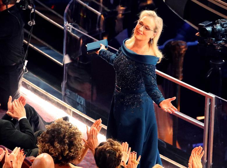 89th Academy Awards - Oscars Awards Show - Hollywood, California, U.S. - 26/02/17 - Actress Meryl Streep reacts. REUTERS/Lucy Nicholson