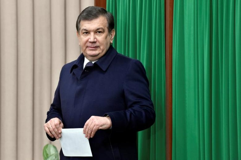 Uzbekistan's Prime Minister and interim President Shavkat Mirziyoyev leaves a voting booth at a polling station during a presidential election in Tashkent, Uzbekistan, December 4, 2016. REUTERS/Anvar Ilyasov/Pool/Files