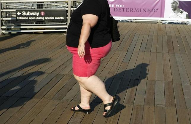 3月7日、米国医師会雑誌(JAMA)に掲載された研究から、過体重または肥満の米国成人の間で、減量に取り組む人の割合が低下していることが分かった。写真は2007年9月ニューヨークで撮影(2017年 ロイター/Lucas Jackson)