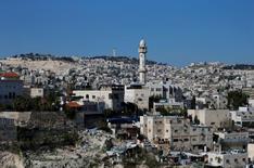 مأذنة مسجد في سلوان قرب القدس الشرقية يوم الأربعاء. تصوير. عمار عواد - رويترز