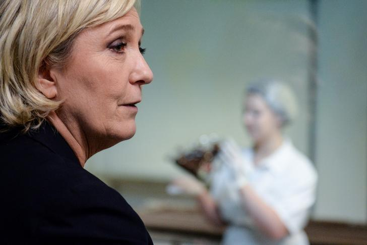 Marine Le Pen, French National Front (FN) political party leader and candidate for French 2017 presidential election, visits a chocolate maker in Chalezeule, eastern France, March 8, 2017. REUTERS/Sebastien Bozon/Pool