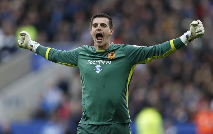Britain Soccer Football - Leicester City v Hull City - Premier League - King Power Stadium - 4/3/17 Hull City's Eldin Jakupovic celebrates after Sam Clucas scores their first goal  Action Images via Reuters / Matthew Childs Livepic