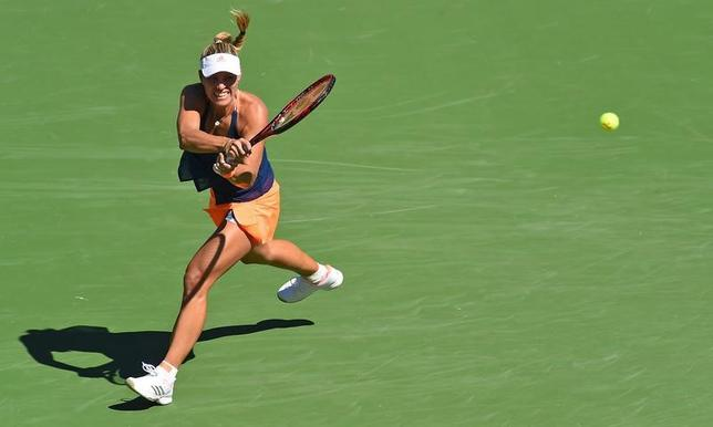 3月13日、テニスのBNPパリバ・オープン女子シングルス3回戦、第2シードのアンゲリク・ケルバー(写真)がポーリーン・パルマンティエを7─5、3─6、7─5で下した(2017年 ロイター/Jayne Kamin-Oncea-USA TODAY Sports)