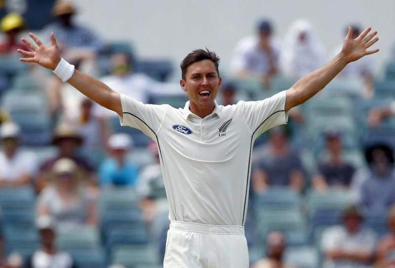 New Zealand's Trent Boult celebrates after he dismissed Australia's Adam Voges for 41 runs during the second day of the second cricket test match at the WACA ground in Perth, Western Australia, November 14, 2015.      REUTERS/David Gray