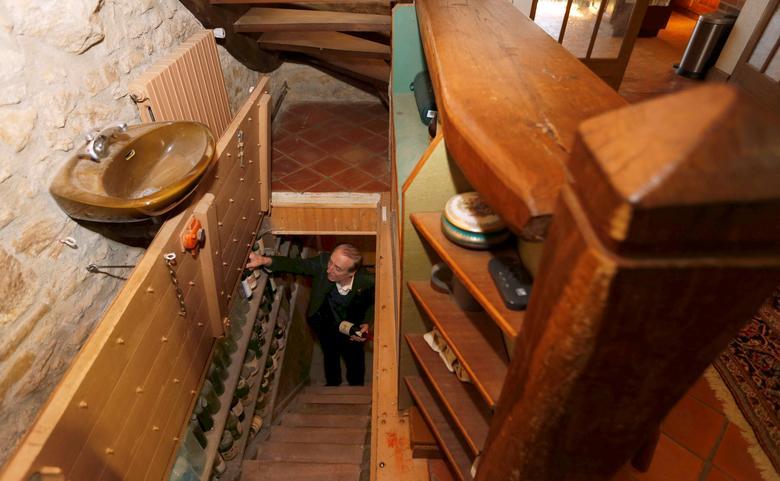 World Class Regis >> Inside A World Class Wine Collection Reuters Com