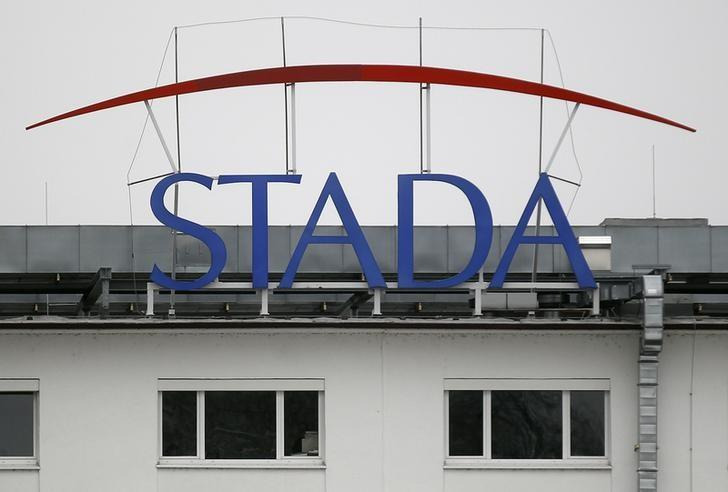 The logo of the pharmaceutical company Stada Arzneimittel AG is pictured at its headquarters in Bad Vilbel near Frankfurt March 14, 2012. German generic drugmaker Stada, under pressure to curb its reliance on a weakening home market, embarked on two takeover attempts in Russia over the last two years but failed both times following months of exclusive talks. REUTERS/Alex Domanski (GERMANY - Tags: BUSINESS HEALTH)