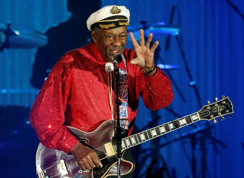FILE PHOTO - Rock and roll legend Chuck Berry performs during the Bal de la Rose in Monte Carlo, Monaco on March 28, 2009. REUTERS/Eric Gaillard/File Photo