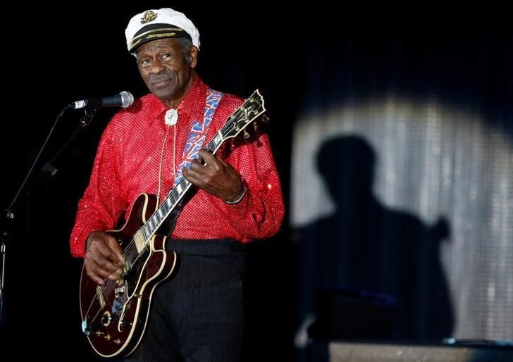 FILE PHOTO - Rock and roll legend Chuck Berry performs during the Bal de la Rose in Monte Carlo, Monaco, on March 28, 2009. REUTERS/Eric Gaillard/File Photo