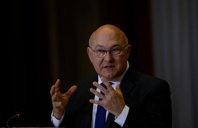 3月18日、フランスのサパン財務相(写真)は声明を発表し、ドイツ南西部のバーデンバーデンで開かれていた20カ国・地域(G20)財務相・中銀総裁会議で、気候変動と貿易に関して満足のいく結論に達しなかったことは残念だと述べた。写真は7日、ポルトガルのリスボンで撮影(2017年 ロイター/Rafael Marchante)