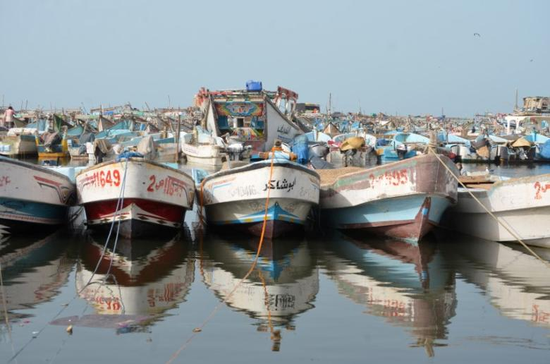 Boats are pictured at the Red Sea port of Hodeidah, Yemen February 5, 2017. REUTERS/Abduljabbar Zeyad - RTX2ZPLB