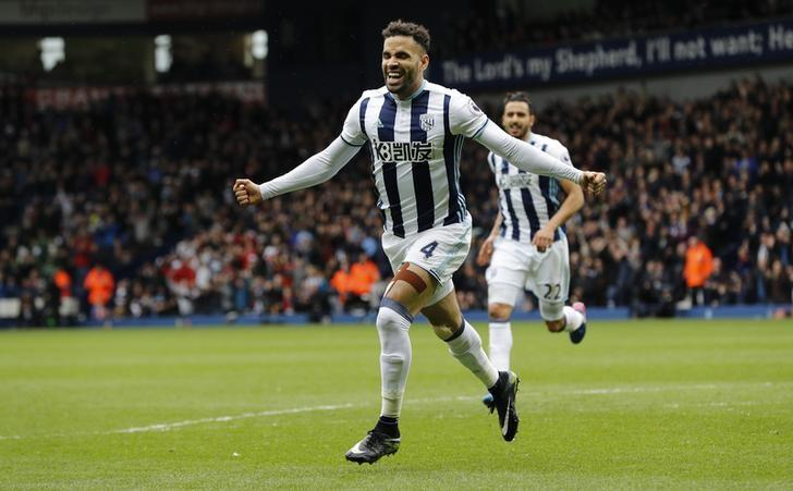Britain Football Soccer - West Bromwich Albion v Arsenal - Premier League - The Hawthorns - 18/3/17 West Bromwich Albion's Hal Robson-Kanu celebrates scoring their second goal  Reuters / Darren Staples Livepic