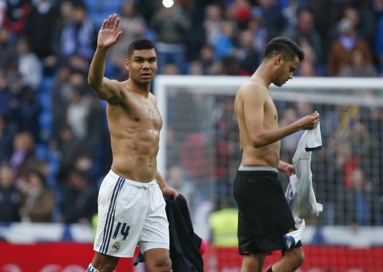 FILE PHOTO: Football Soccer - Real Madrid v Espanyol - Spanish La Liga Santander - Santiago Bernabeu stadium, Madrid, Spain - 18/02/17 - Real Madrid's Casemiro celebrates at the end of the match against Espanyol.  REUTERS/Javier Barbancho