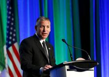 FILE PHOTO --  President and CEO Russ Girling of TransCanada addresses shareholders during the company's annual general meeting in Calgary, Alberta, May 1, 2015.   REUTERS/Todd Korol/File Photo