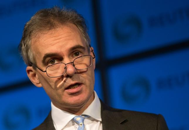 3月23日、イングランド銀行(英中央銀行)のブロードベント副総裁は、金利は上昇する可能性があるとした上で、欧州連合(EU)離脱後の英国の先行きに関して投資家の間で強い懸念があるとの認識も示した。写真は2015年11月撮影(2017年 ロイター/Neil Hall)