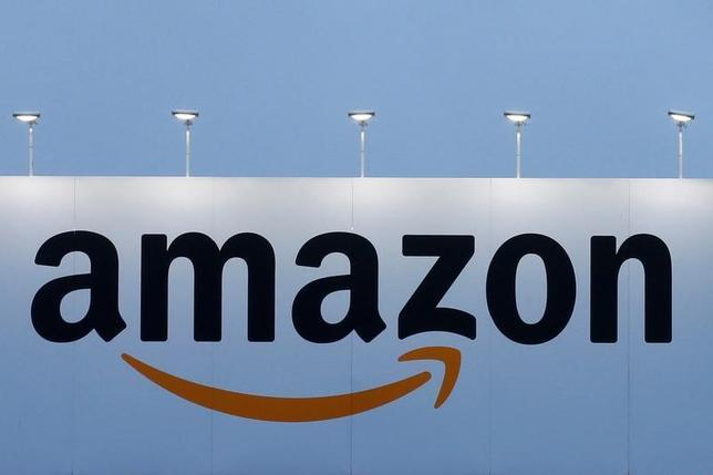 3月23日、米租税裁判所は、内国歳入庁(IRS)がルクセンブルクの子会社への資産移転を巡りアマゾン・ドット・コムに15億ドル超の追徴課税を求めた訴訟で、IRS側の主張を退けた。1月撮影(2017年 ロイター/Pascal Rossignol)