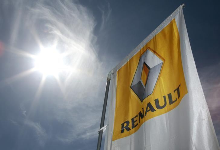 A Renault car company logo is seen outside an automobile dealership in Nice, France, March 29, 2016. REUTERS/Eric Gaillard/Files