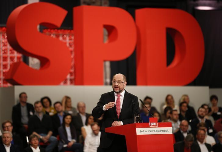 Incoming Social Democratic Party (SPD) leader and candidate in the upcoming general elections Martin Schulz addresses an SPD party convention in Berlin, Germany, March 19, 2017.     REUTERS/Axel Schmidt