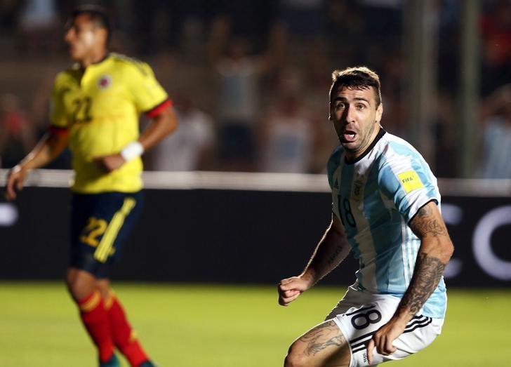 Football Soccer - Argentina v Colombia - 2018 World Cup Qualifiers - Del Bicentenario Stadium, San Juan, Argentina - 15/11/16. Argentina's Lucas Pratto celebrats after he scored his team's second goal. REUTERS/Enrique Marcarian