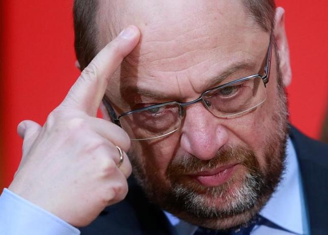 3月26日、シュルツ氏(写真)が1月に党首に就いて以来、社会民主党(SPD)の支持率は大きく回復し、「シュルツ効果」が騒がれているが、ドイツ西部ザールラント州議会選でメルケル首相率いる保守、キリスト教民主同盟(CDU)に敗れた。ベルリンで27日撮影(2017年 ロイター/Hannibal Hanschke)