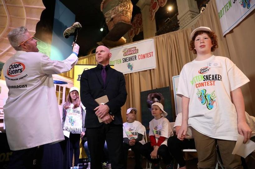 米国で 最も臭いスニーカー コンテスト 12歳少年が優勝 Reuters