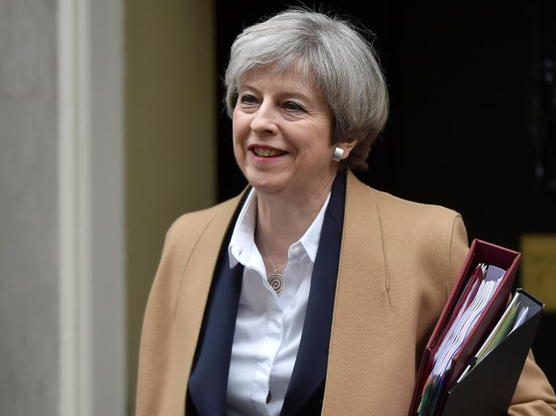 Britain's Prime Minister Theresa May leaves 10 Downing Street in London, March 29, 2017. REUTERS/Hannah Mckay