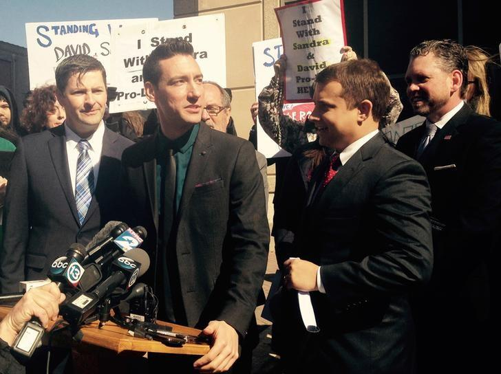 Anti-abortion activist David Daleiden speaks at a news conference outside a court in Houston, Texas February 4, 2016. A Texas judge on June 14, 2016, dropped a misdemeanor charge regarding the purchase of human tissue against an anti-abortion activist indicted for using afake driver's license ID to aid secret filming inside Planned Parenthood, prosecutors said.   REUTERS/Ruthy Munoz//File Photo