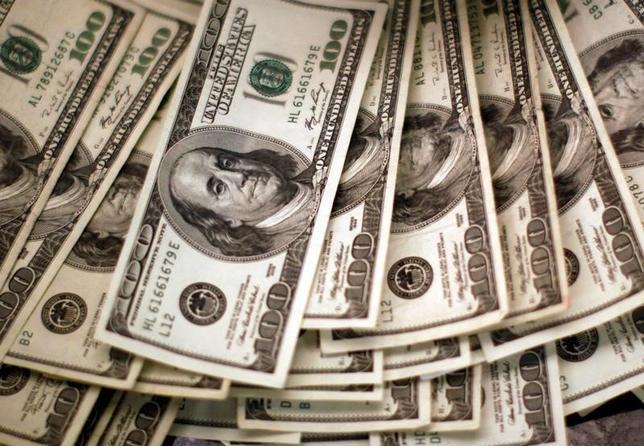 3月30日、正午のドル/円は、前日ニューヨーク市場午後5時時点と比べ、ドル高/円安の111.30/32円だった。写真はコロラド州ウェストミンスターで2009年11月撮影(2017年 ロイター/Rick Wilking)