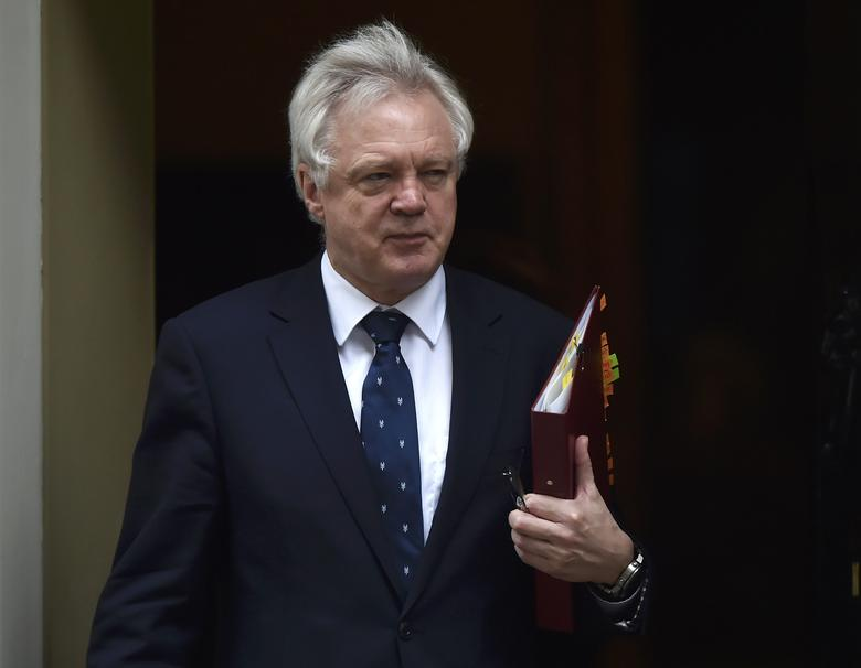 Britain's Secretary of State for Exiting the European Union David Davis arrives in Downing Street, London March 29, 2017. REUTERS/Hannah McKay