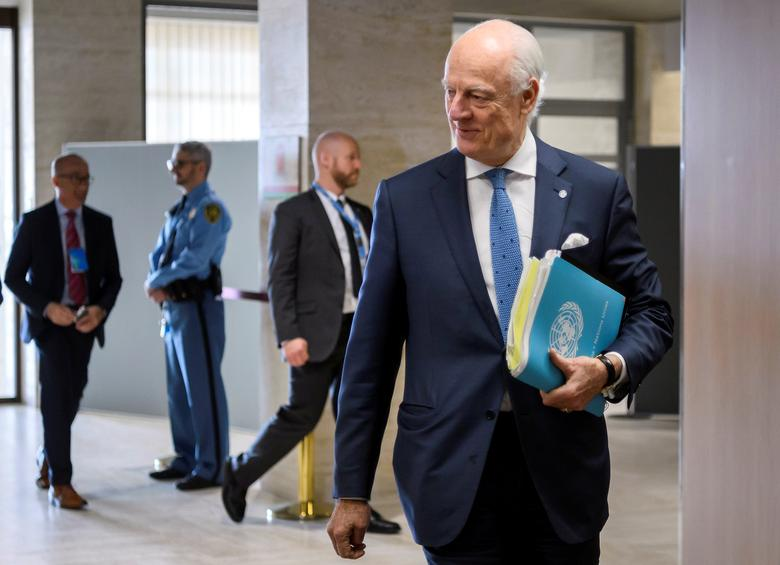 UN Special Envoy for Syria Staffan de Mistura arrives at a meeting with government delegation during Syria peace talks in Geneva, Switzerland March 31, 2017. REUTERS/Fabrice Coffrini/Pool