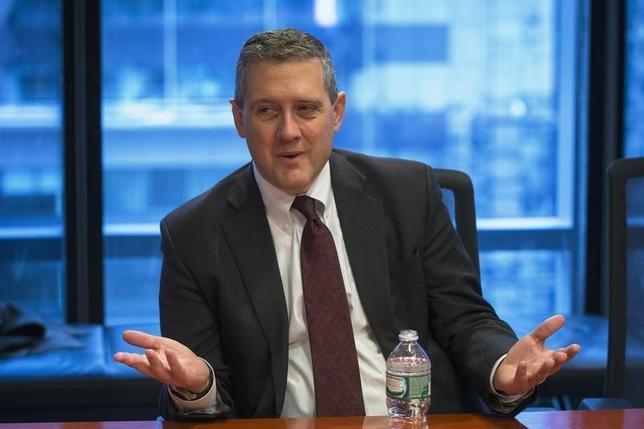 3月31日、米セントルイス地区連銀のブラード総裁はインフレは抑制されていることから、予防的な利上げは必要ないとの立場を示した。2015年撮影(2017年 ロイター/Lucas Jackson)