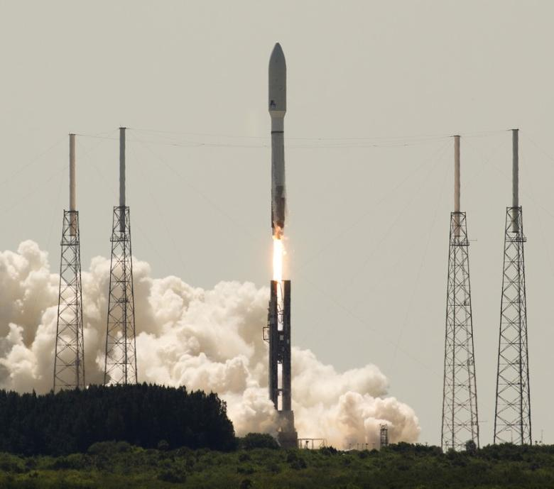 FILE PHOTO: United Launch Alliance launches an Atlas V rocket with an United States Air Force OTV-4  onboard from Cape Canaveral Air Force Station, Florida, May 20, 2015. REUTERS/Michael Brown