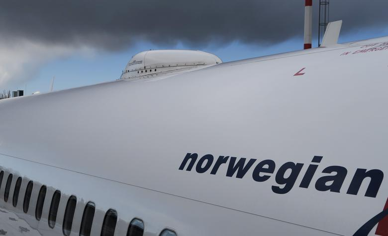 FILE PHOTO - A satellite antenna is seen on the roof of the Norwegian Airways Boening 737-800 at Berlin Schoenefeld Airport, Germany, April 2, 2015.  REUTERS/Pawel Kopczynski/File Photo